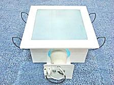 ดาวไลท์กล่องสี่เหลี่ยมหน้ากระจก 16x16 cm.