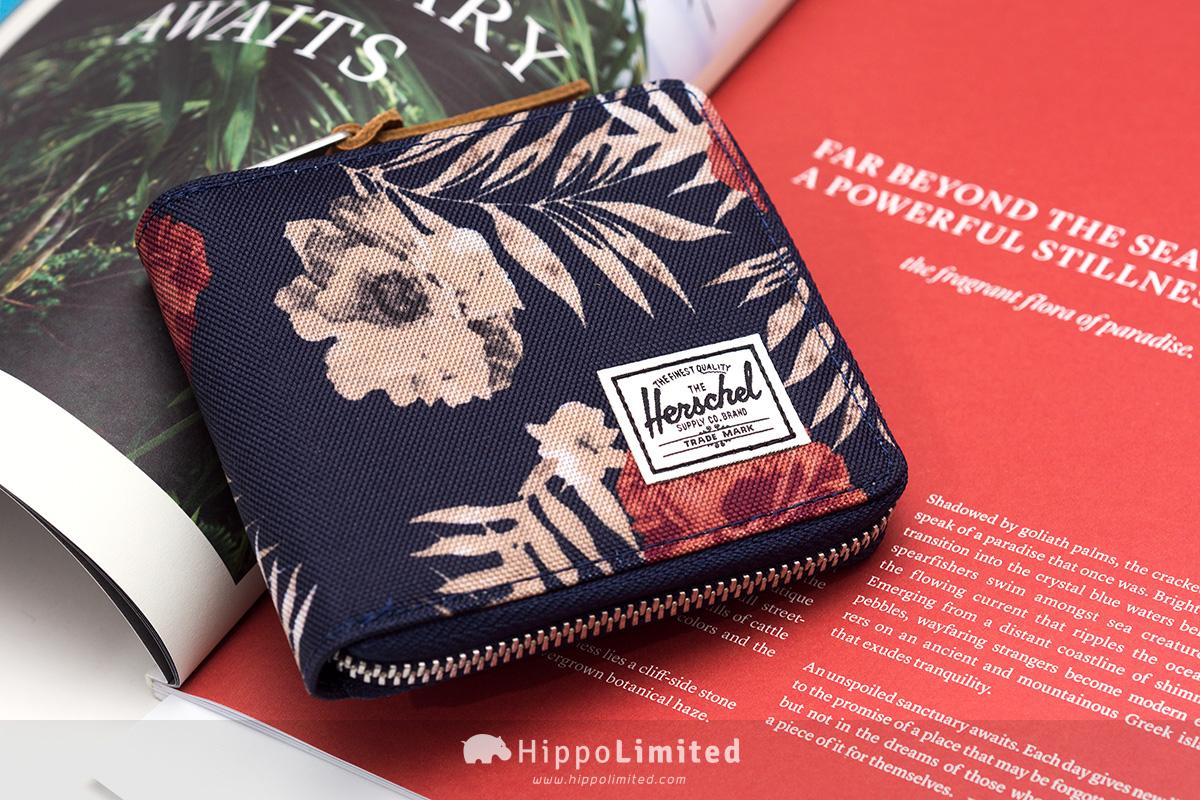 กระเป๋าสตางค์แบบซิปรอบ Herschel Walt Wallet - Peacoat Floria สีน้ำเงินกรมท่าลวดลายดอกไม้
