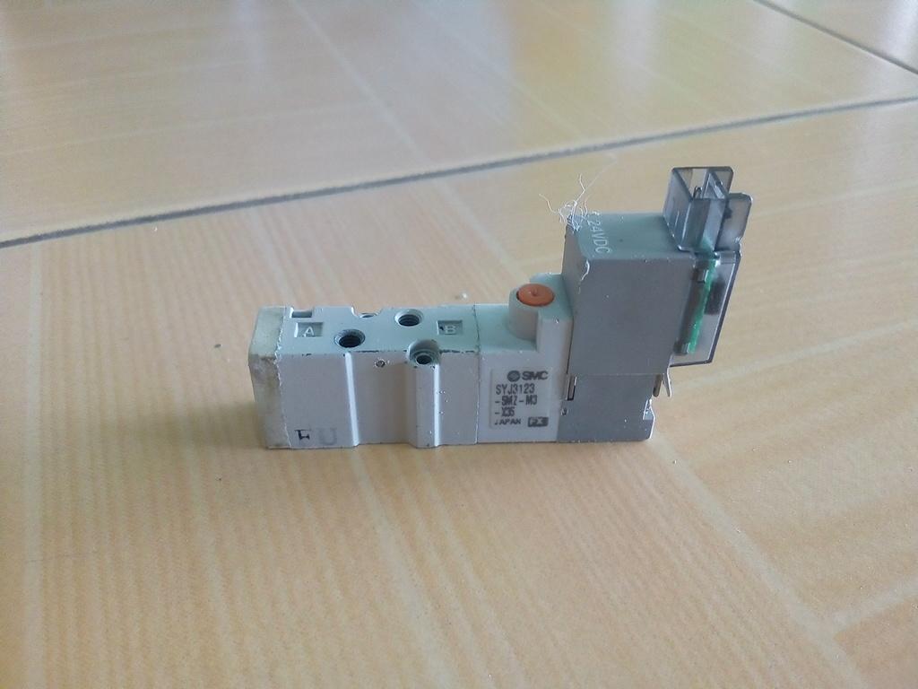 โซลินอยด์วาล์ว SMC SYJ3223-5MZ-M3 แบบเดี่ยว สินค้ามือ 2