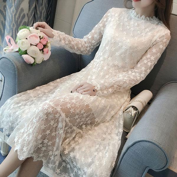 ชุดเดรสลูกไม้ ชุดผ้าลูกไม้สวยๆ แฟชั่นเกาหลี สีขาว แขนยาว ใส่เที่ยวใส่ออกงาน