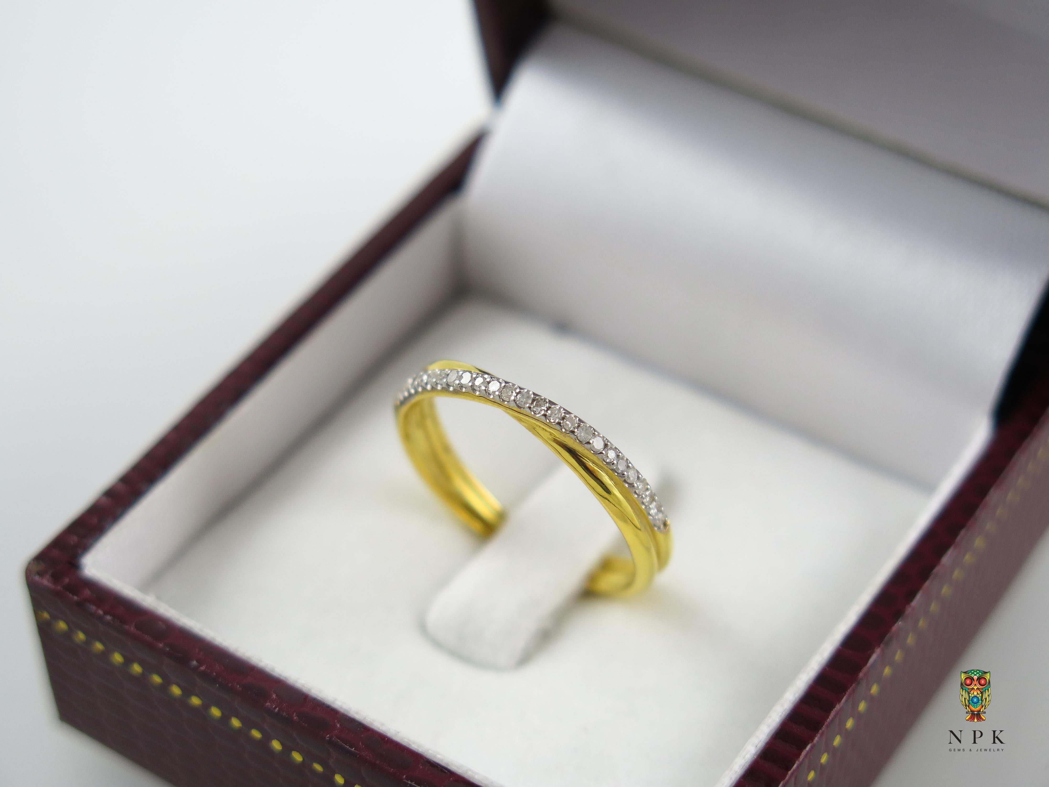 แหวนเพชรไขว้