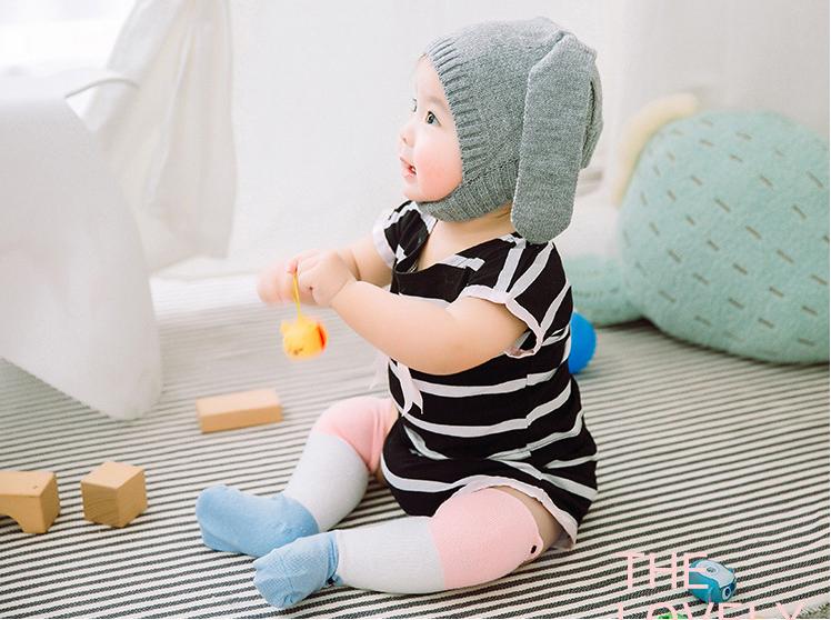 ถุงเท้ายาว สีชมพู+ฟ้า แพ็ค 10 คู่ ไซส์ M (อายุประมาณ 6-12 เดือน)