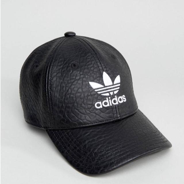 adidas Originals Trefoil Cap In Black leather