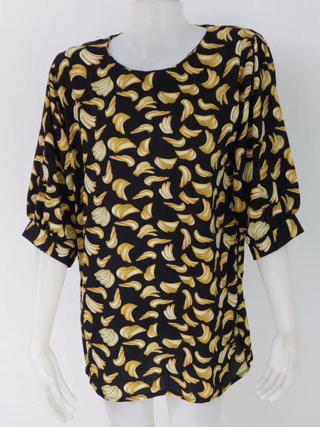954976 ขายส่งเสื้อผ้าแฟชั่นลายกล้วยสุดฮิต ผ้าเนื้อดีใส่สบายค่ะ รอบอก 40 นิ้วความยาวเสื้อ 29 นิ้ว