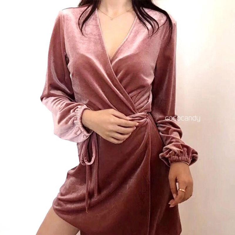 ชุดเดรสกำมะหยี่ Viva Velvet Dress