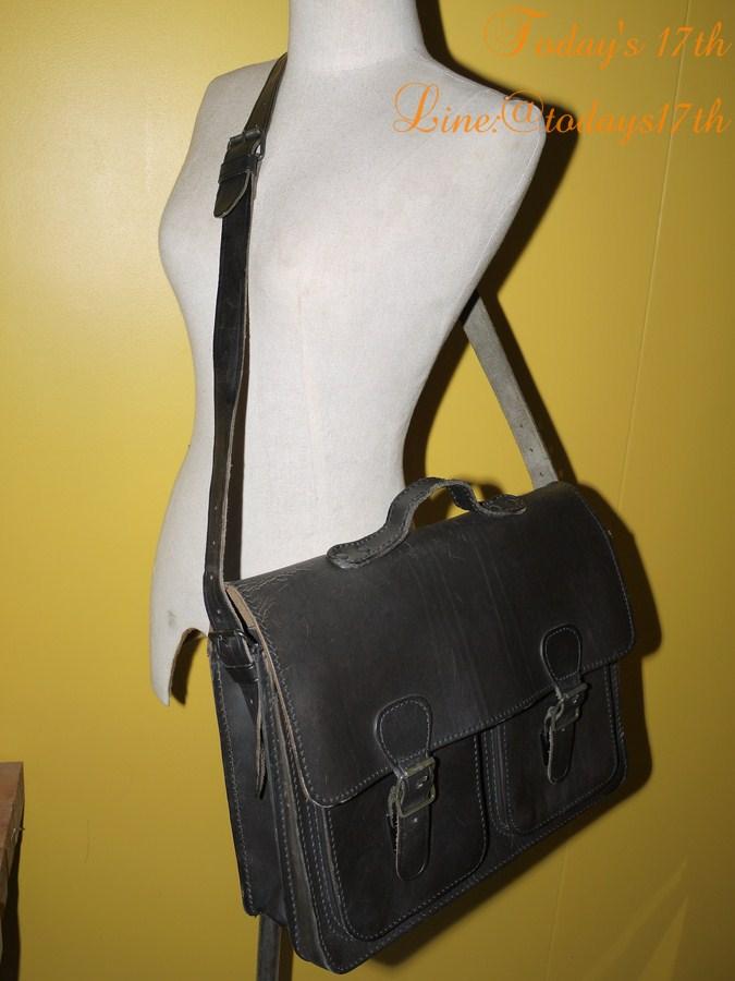 กระเป๋าหนังฟอกฝาดสะพายข้าง messenger bag