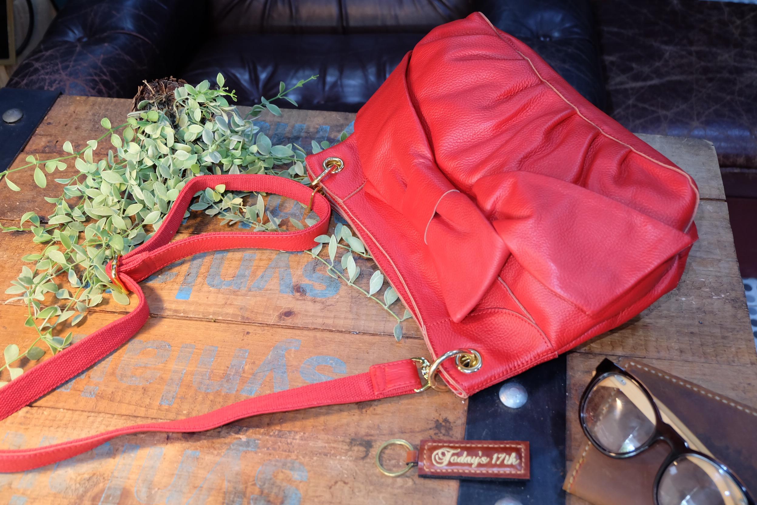 กระเป๋าหนังแท้สะพายข้าง/ถือ