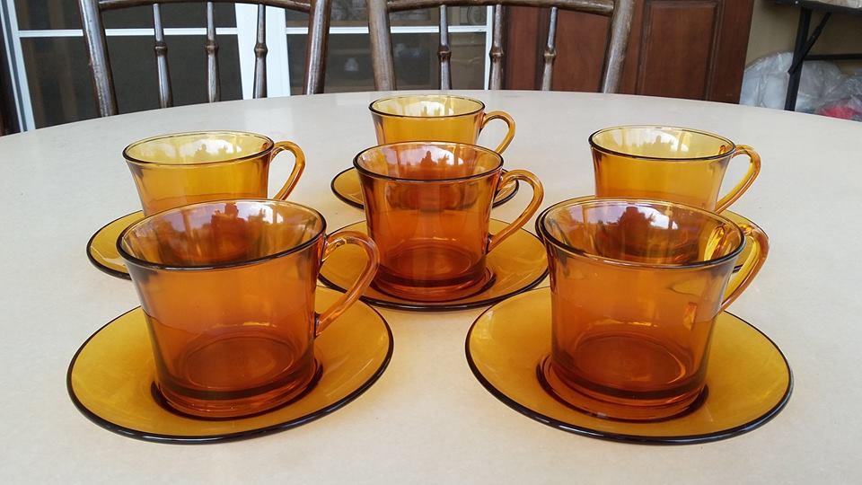 ชุดชาหรือกาแฟ งานแก้วสีชาของ DURALEX ฝรั่งเศส