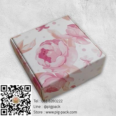กล่องกระดาษแบบเปิดด้านบนลายดอกไม้สีชมพู 8x8x3 cm. 50 ชิ้น : 005135