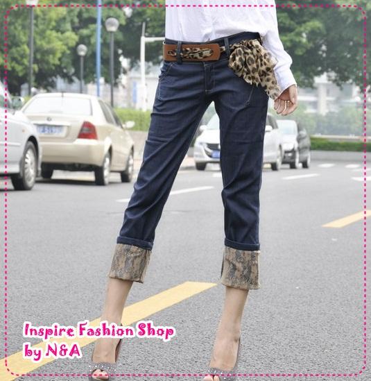 [Preorder] กางเกงยีนส์ขาสามส่วนพร้อมเข็มขัดแฟชั่นเก๋ๆ สีน้ำเงิน Classic lace the flange trousers pantyhose (to send the belt shop model stars) super good quality