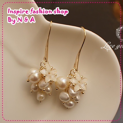 ตุ้มหูยาวไข่มุกดอกไม้ Love earrings freshwater pearls, decorated with discipline Korea Korean Europe and the United States retro earrings earrings female