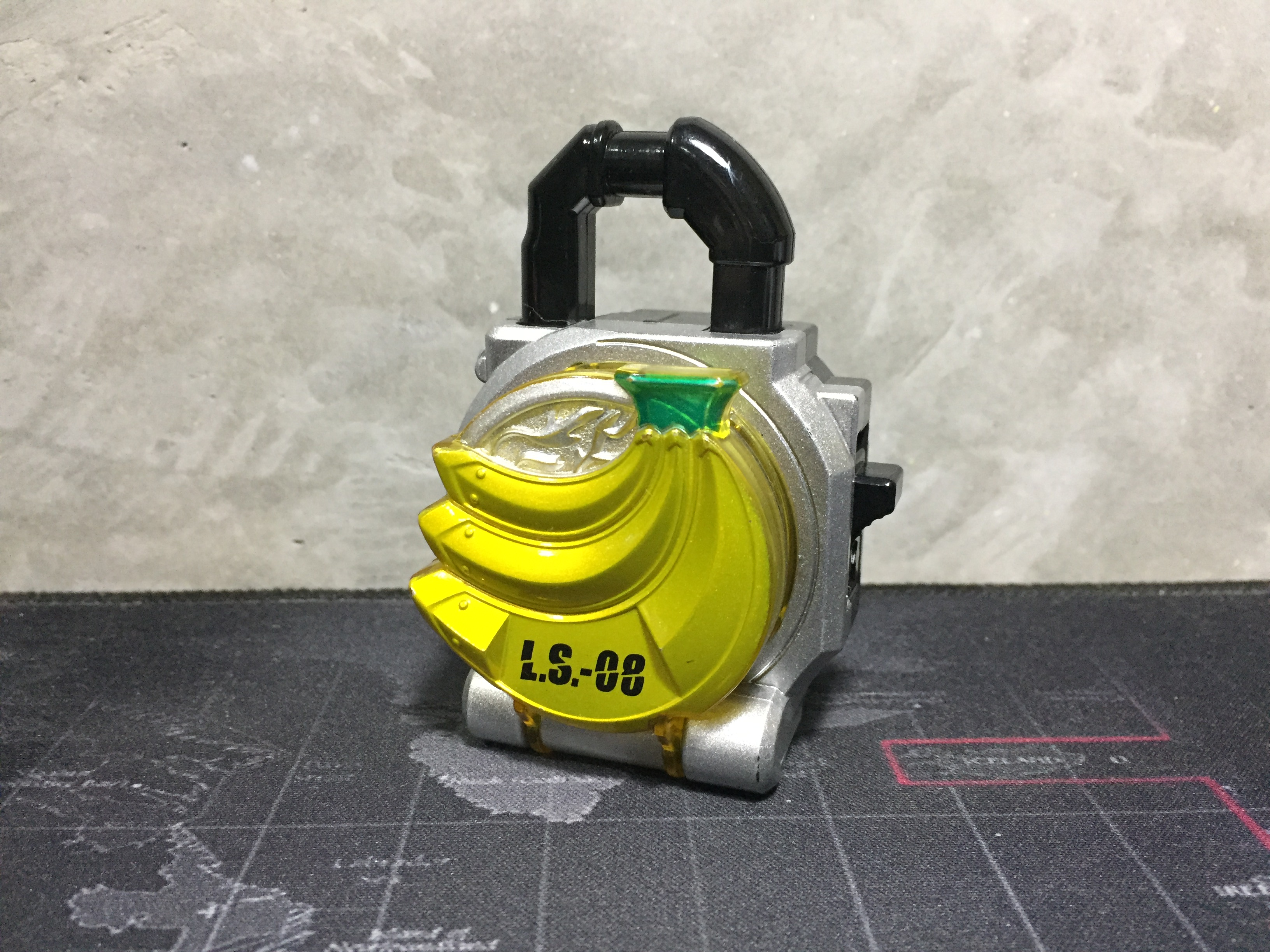 Kamen Rider Gaim DX L.S.-08 Banana Lock Seed (กล้วย)