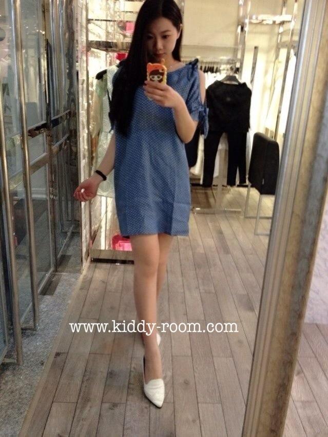 (เด็กโต) ชุดกระโปรงยีนส์ลายจุด สีอ่อน แขนเว้าผูกโบว์ เก๋ๆ ผ้ายีนส์นิ่ม ใส่สบายค่ะ (made in korea) size 13-17 ( 8-15 ปี)