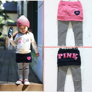 กางเกงเลคกิ้งกระโปรง ลายริ้ว ผ้ายืดนิ่มๆ มีสีชมพูกับสีน้ำเงิน น่ารักมากค่ะ (ป้ายเกาหลี) size 100-140