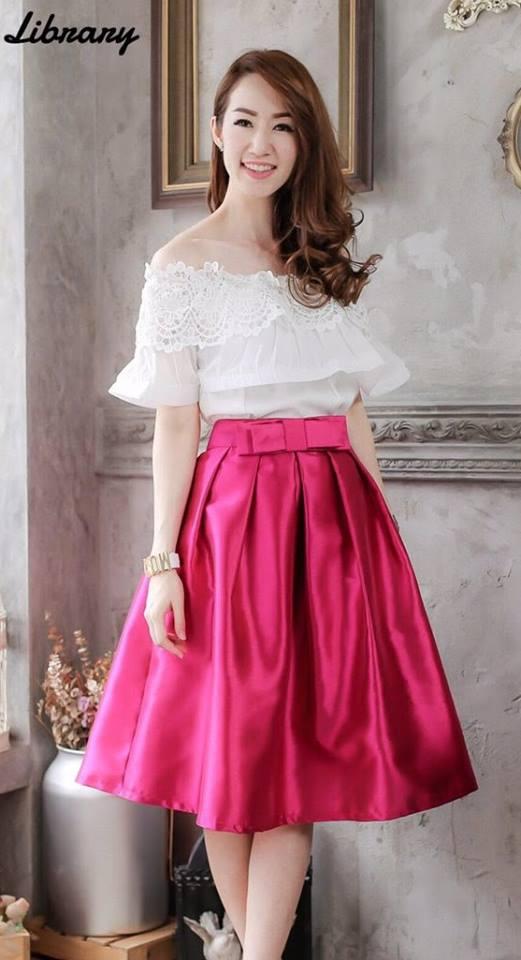 *** Size XL ** (เสื้อ + กระโปรง) ชุดไปงานแต่งงาน ชุดไปงานแต่ง ชุดไปงานบุญงาน บวช เสื้อเปิดไหล่แต่งด้วยลูกไม้ฝรั่งเศสนำเข้าปลายอัดพลีท มาคู่กับกระโปรงผ้าไหมสีบานเย็น สามารถใส่ไปออกงานหรือทำงานก็ได้ค่ะ ดูเรียบหรูไฮโซมากเลยค่ะๆ , ,