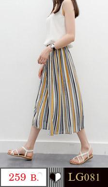กางเกงขาห้าส่วน ขากว้าง เอวยางยืดตามสัดส่วน พิมพ์ขวางแนวยาวสลับสี สวยเก๋ ใส่สบาย มี 2 ลายคะ