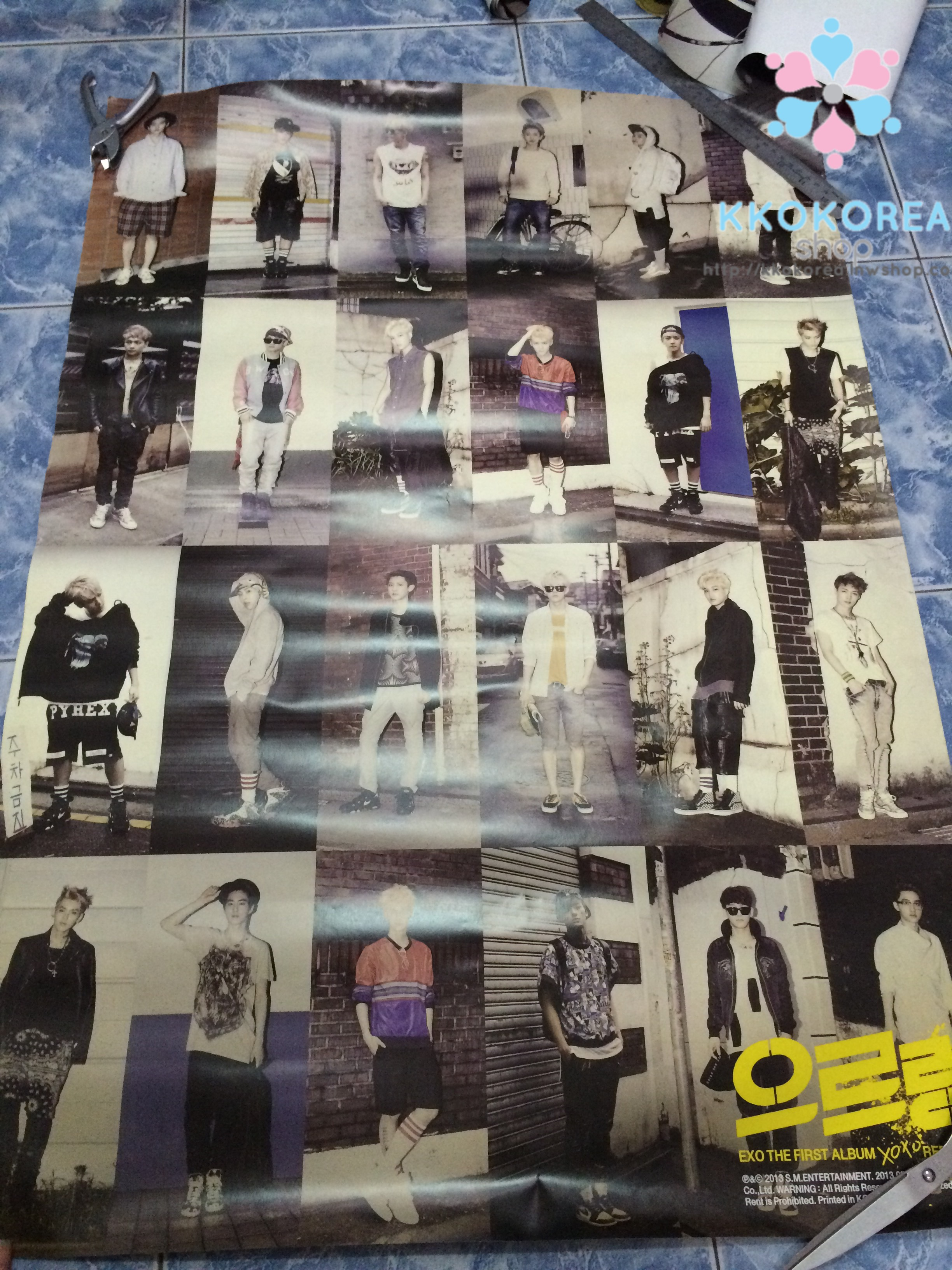 [Poster พร้อมส่ง 1 ใบ] EXO : 1st Album Repackage - XOXO