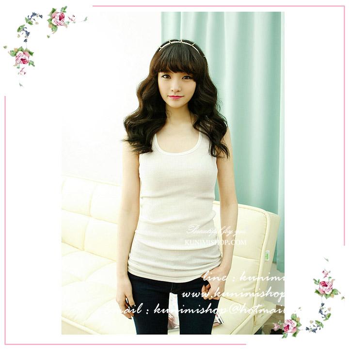 เสื้อกล้าม ซับใน มี 2 สี สีขาว สีดำ เสื้อเต็มตัว แแขนกุด คอกลอม ผ้ายืด ด้านหลังแต่งด้วยผ้าลูกไม้ สวยหวาน