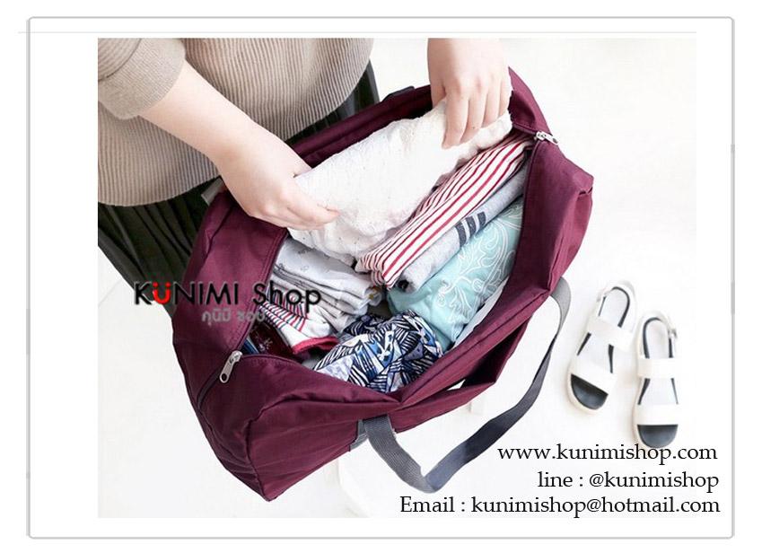 กระเป๋าเดินทาง กระเป๋าจัดเก็บสิ่งของ กระเป๋าสะพาย จัดระเบียบ พับเก็บได้ เมื่อพับเก็บแล้วจะเหลือขนาดเล็ก พกพาสะดวก ดีไซน์สวยเก๋ ใส่ของใช้เอนกประสงค์ ใส่ของได้จุใจครับ ผ้าไนล่อน เปิด-ปิดด้วยซิบ ด้านหลังกระเป่ามีช่องสอดก้านจับกระเป่าเดินทาง มี 4 สี : สีชมพู , สีฟ้า , สีแดงเลือดหมู , สีกรมท่า