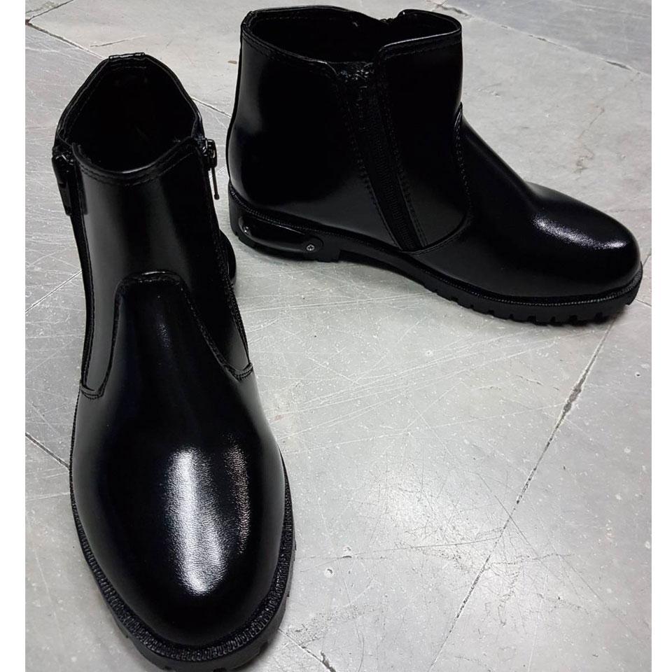 รองเท้าฮาฟสั้น หนังบาจา 901 พื้นคอมแบต แถมชิดเท้าดำ