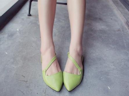 Pre Order - รองเท้าแฟชั่นเกาหลี แบบลำลอง หวาน ๆ เน้นรูปทรงเท้า สี : สีน้ำเงิน / สีเขียว / สีม่วง / สีขาว