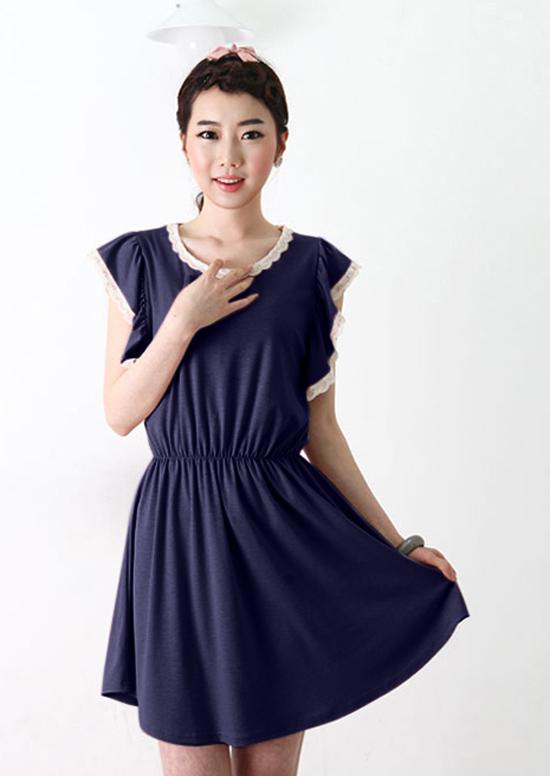 ++เสื้อผ้าไซส์ใหญ่++* Pre-Order* ชุดเดรสเกาหลีไซส์ใหญ่ แต่งระบายช่วงแยน เอวติดยางยืด