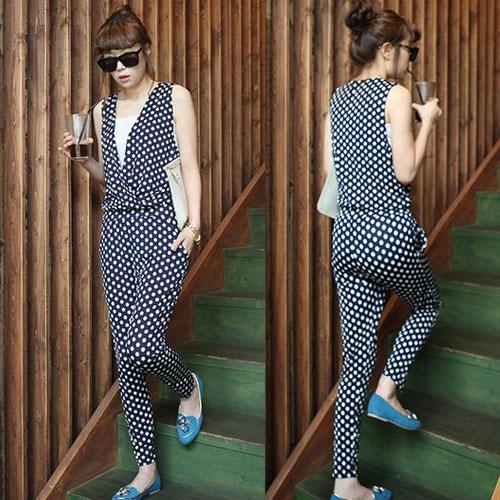 ++สินค้าพร้อมส่งค่ะ++Jumpsuit กางเกงขายาวเกาหลี คอ V ลึก แขนกุด ผ้า milk silk พิมพ์ลายจุดเนื้อดีมากค่ะ แต่งกระเป๋าข้าง – สี Dark Blue