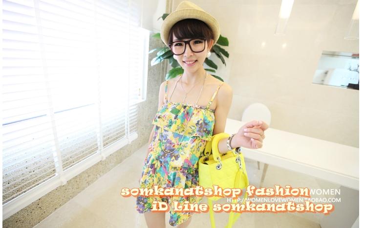 ++สินค้าพร้อมส่งค่ะ++ ชุด jumpsuit กางเกงขาสั้นเกาหลี สายเดี่ยว ผ้าพิมพ์ลายดอกไม้ จั้มเอว แต่งกระเป๋ากางเกงสองข้าง – สีเหลือง