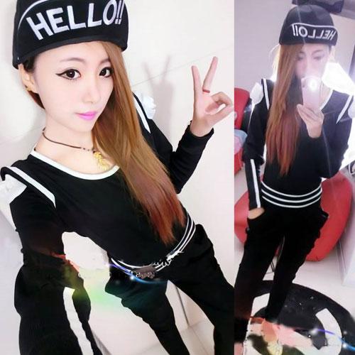 ++สินค้าพร้อมส่งค่ะ++ ชุดเซ็ทเกาหลี เสื้อแขนยาว แต่งเก๋ดอกไม้ที่ไหล่+กางเกงขายาวเข้าชุดเก๋ มี 2 สีค่ะ – สีดำ