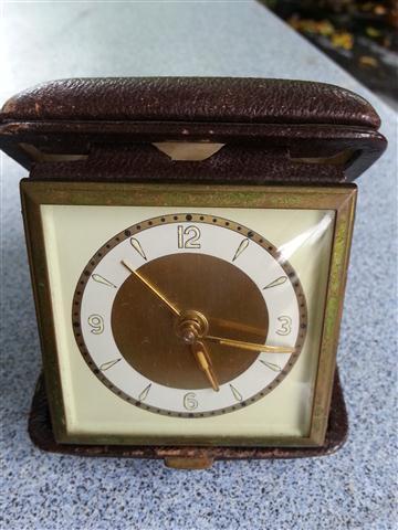 W0180 นาฬิกาปลุกตลับ โบราณ 2.5 นิ้ว เดินดีปลุกดี