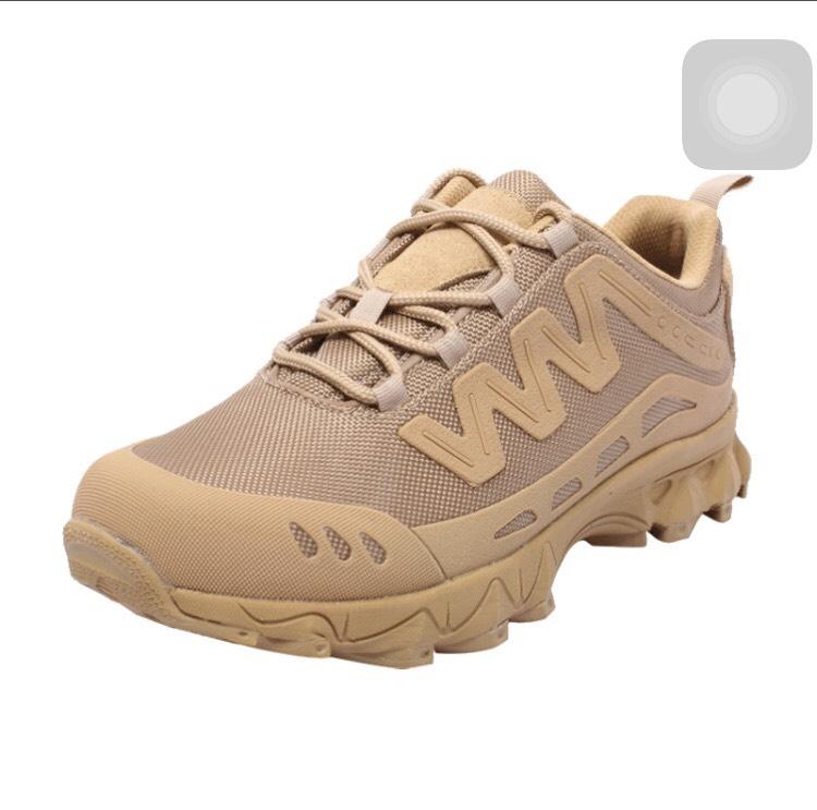 รองเท้าผ้าใบ Magnum ทราย