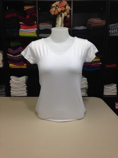 """เสื้อยืดคอวี สีขาว size """"M"""""""