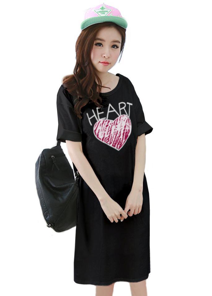 เสื้อยืดแฟชั่นตัวยาว ทรงกระบอก Cotton Combed เนื้อนุ่ม ลาย Heart สีดำ
