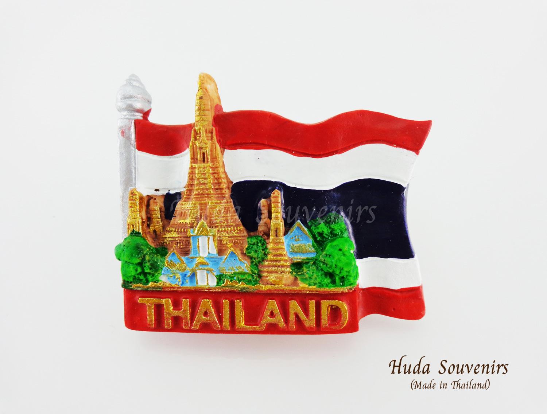 ของที่ระลึกไทย แม่เหล็กติดตู้เย็น ลวดลายวัดอรุณสีพื้นธงชาติไทย รูปทรงธงชาติไทย