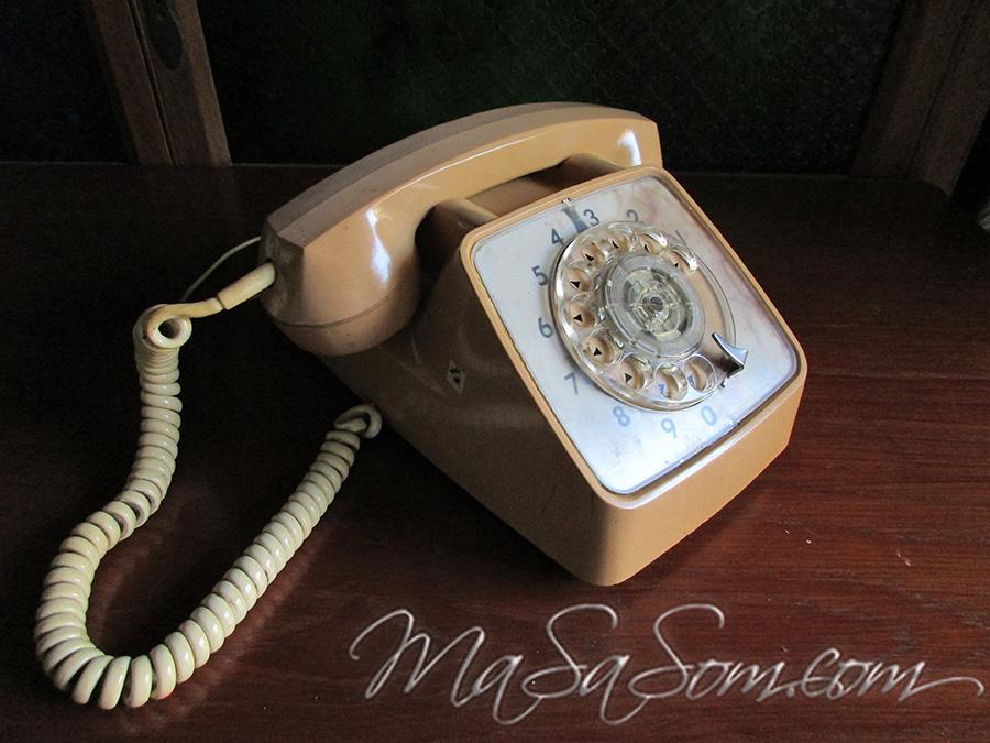 โทรศัพท์แป้นหมุนเก่า GTE