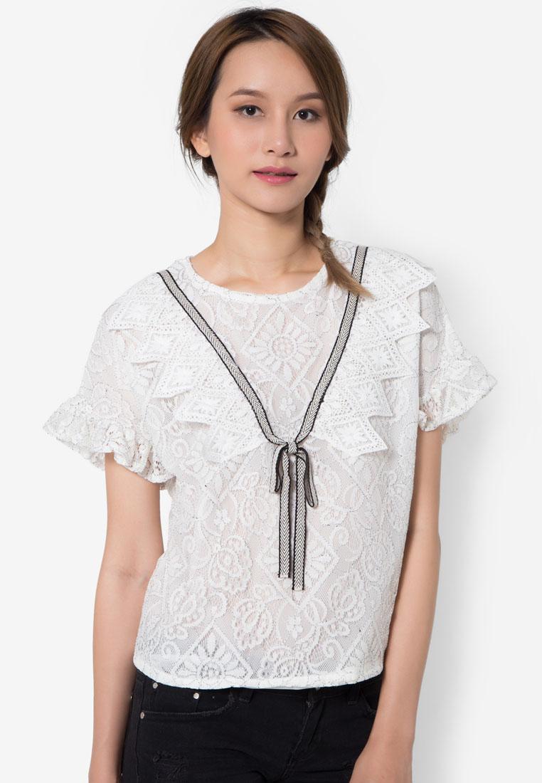 เสื้อเบลาส์ Feminine Ribbony